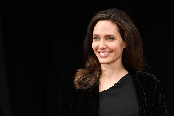 Лучший выход Анджелины Джоли после развода с Брэдом Питтом (фото 4)