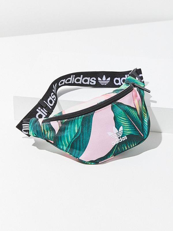 20 стильных поясных сумок на лето (фото 7.1)