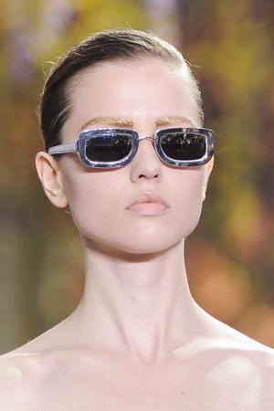 Показ Christian Dior коллекции сезона Весна-лето 2014 года prêt-à-porter - www.elle.ru - Подиум - фото 568411