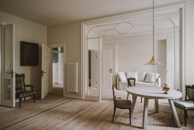 Элегантная квартира в довоенном доме (фото 2)