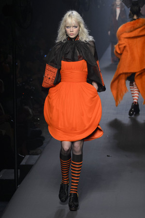 Показ Jean Paul Gaultier коллекции сезона Осень-зима 2015-2016 года Haute couture - www.elle.ru - Подиум - фото 597234