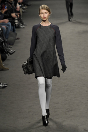Показ CNC Costume National коллекции сезона Осень-зима 2011-2012 года Prêt-à-porter - www.elle.ru - Подиум - фото 245907