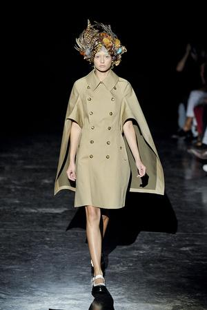 Показ Junya Watanabe коллекции сезона Весна-лето 2012 года prêt-à-porter - www.elle.ru - Подиум - фото 310865