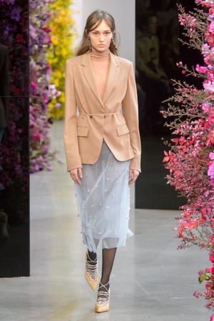 Показы мод Jason Wu осень-зима  2018-2019 | Подиум на ELLE - Подиум - фото 6191