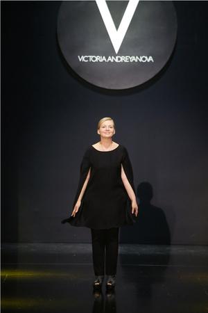 Показ Victoria Andreyanova коллекции сезона Весна-лето 2014 года prêt-à-porter - www.elle.ru - Подиум - фото 573017