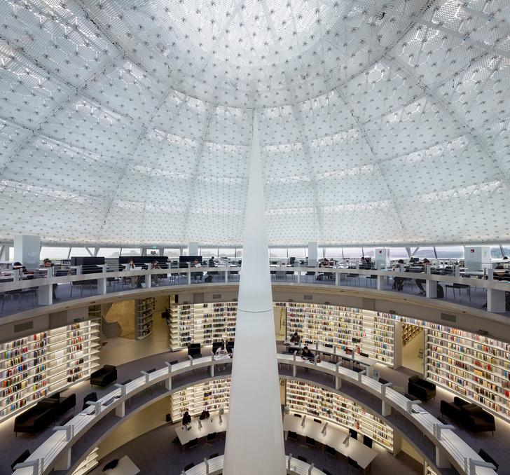 Яркая библиотека по проекту Жана Нувеля (фото 8)