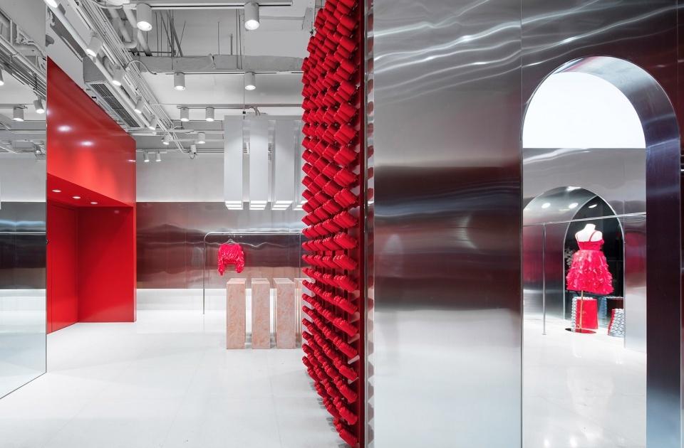 Яркий бутик одежды в Китае (галерея 7, фото 2)