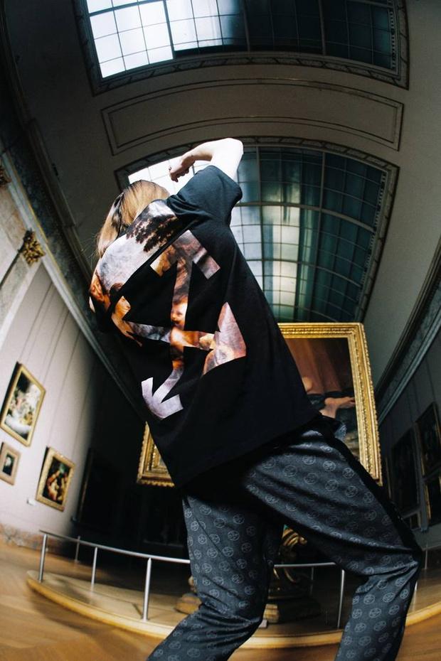 Какая знаковая марка одежды выпустила мерч для Лувра? (фото 4)