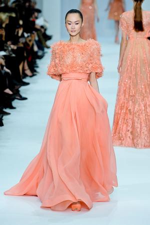 Показ Elie Saab коллекции сезона Весна-лето 2012 года haute couture - www.elle.ru - Подиум - фото 332666