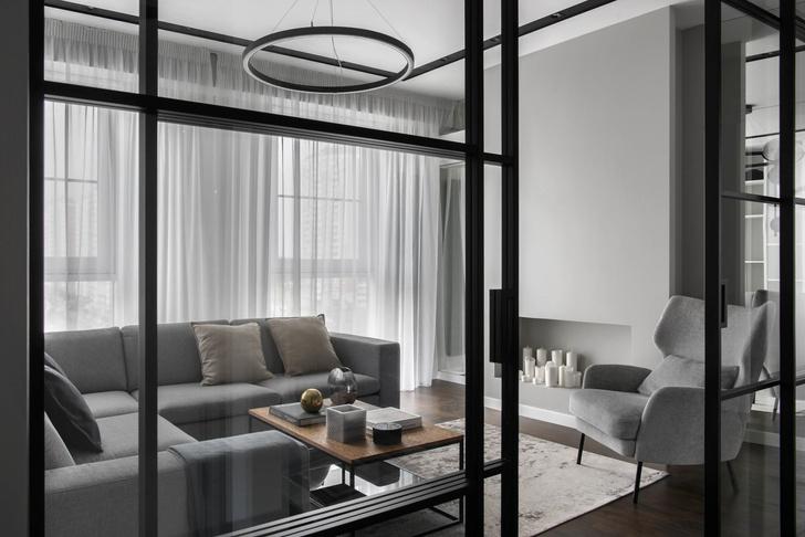 Все оттенки серого: минималистичная квартира 91 м² (фото 3)
