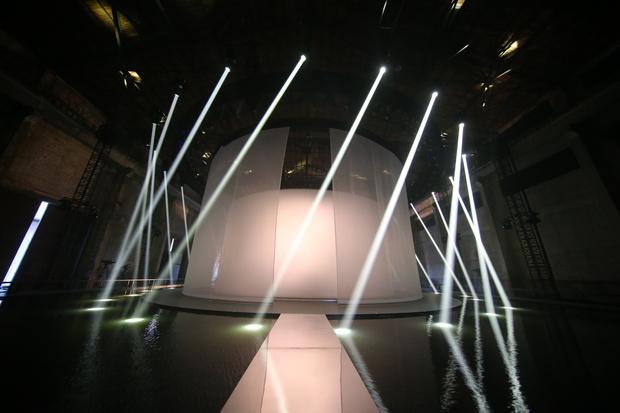 В Шанхае прошел показ лимитированной коллекции Massimo Dutti (фото 1)