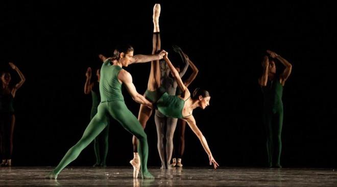 Как сходить на балет в Большой и не разориться (фото 1)
