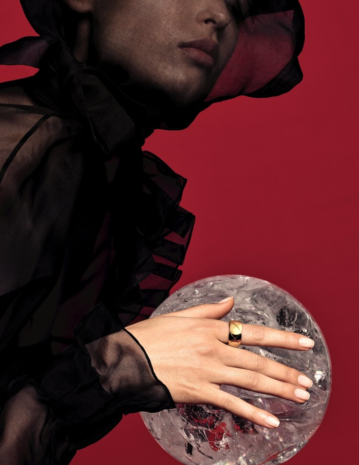 Только по любви: украшения из новой коллекции Chanel Coco Crush (фото 18)