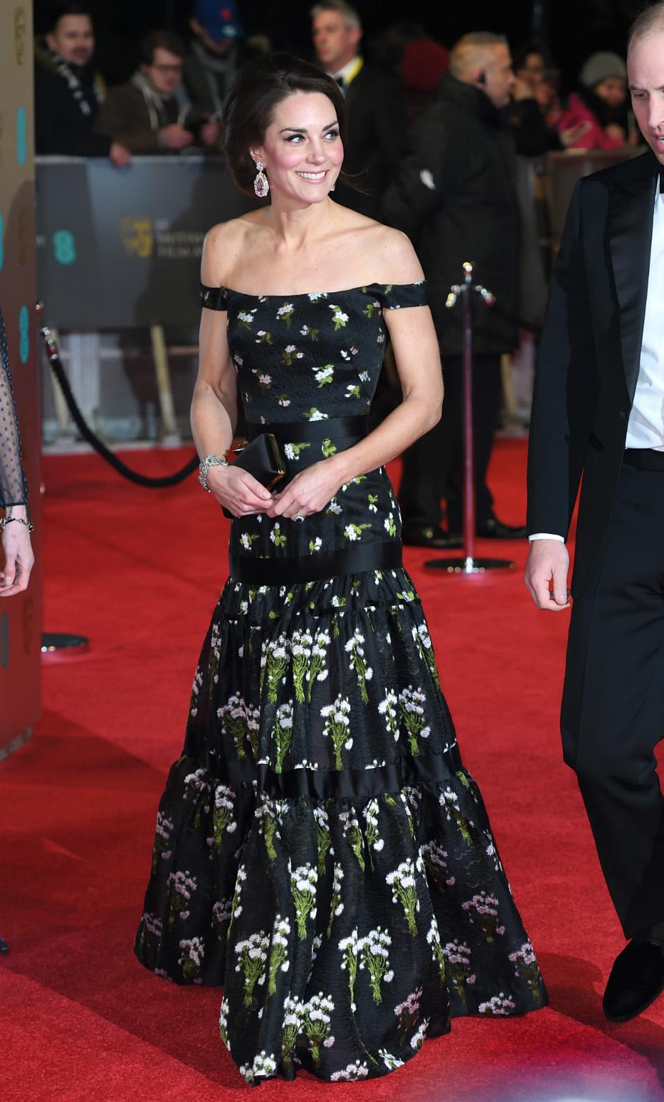10 раз, когда Кейт Миддлтон пренебрегла королевским дресс-кодом фото [4]