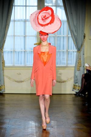 Показ Alexis Mabille коллекции сезона Весна-лето 2012 года Haute couture - www.elle.ru - Подиум - фото 330161