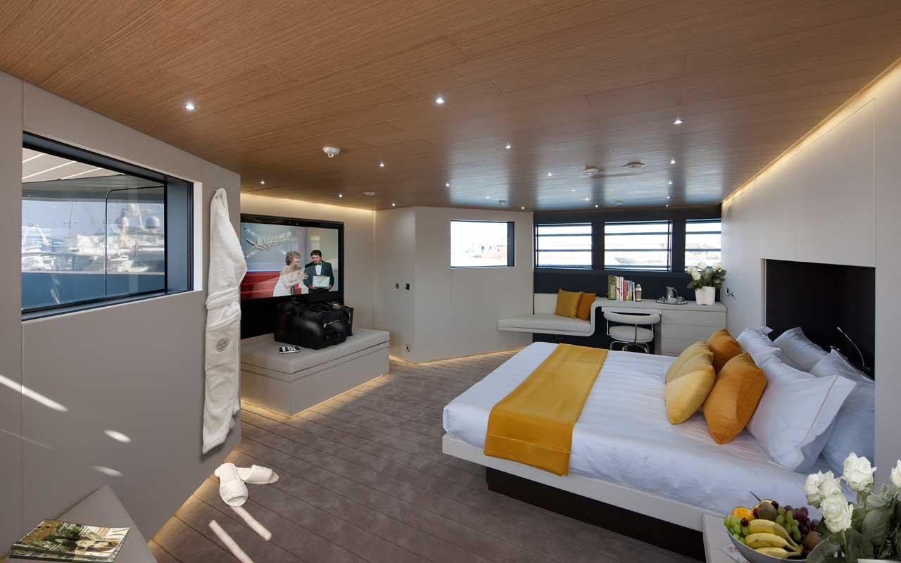 Морская прогулка: парусники и яхты от известных дизайнеров | галерея [4] фото [7]