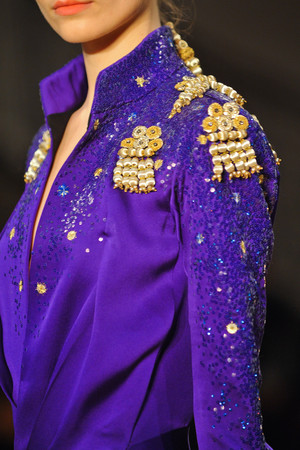 Показ Atelier Gustavo Lins коллекции сезона Весна-лето 2013 года haute couture - www.elle.ru - Подиум - фото 480212