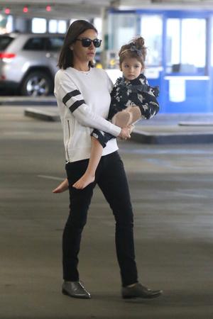 Фото дня: Мила Кунис показала повзрослевшую дочь (фото 4)