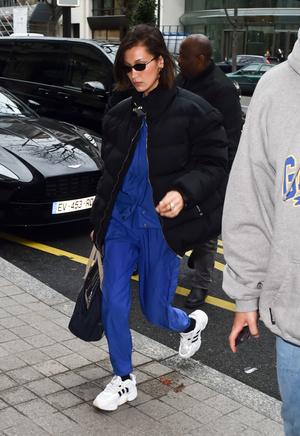 Если и носить спортивный костюм, то только как Белла Хадид (фото 1.2)
