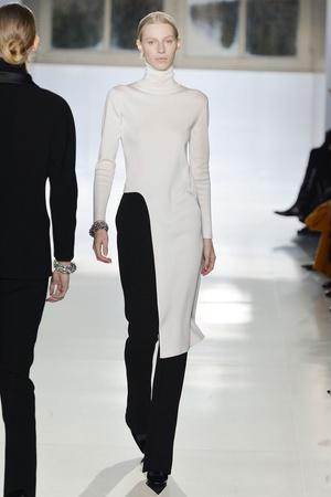 Показы мод Balenciaga Осень-зима 2014-2015 | Подиум на ELLE - Подиум - фото 3986