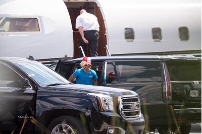 Хейли Болдуин и Джастин Бибер уезжают из Майами (галерея 3, фото 0)