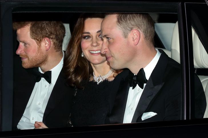 Кейт Миддлтон надела ожерелье Дианы на годовщину Елизаветы II и Филиппа (фото 3)