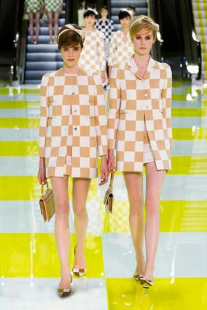 Показ Louis Vuitton коллекции сезона Весна-лето 2013 года prêt-à-porter - www.elle.ru - Подиум - фото 462658