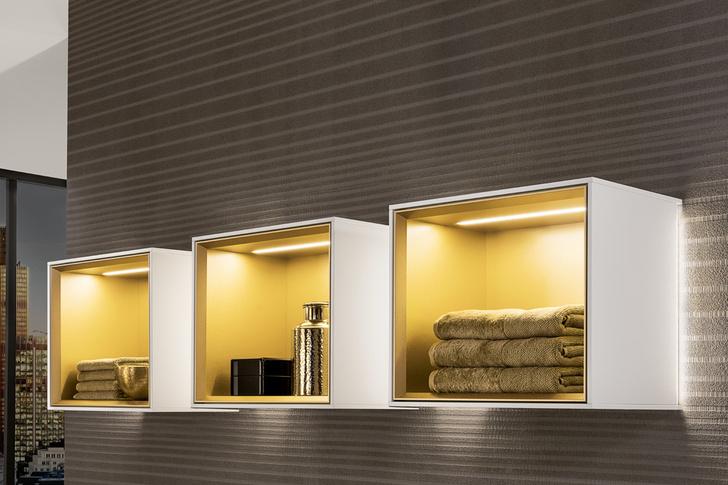 Топ 12: освещение в ванной. Мебель, зеркала, душевые лейки и ванны со встроенной подсветкой (фото 12)