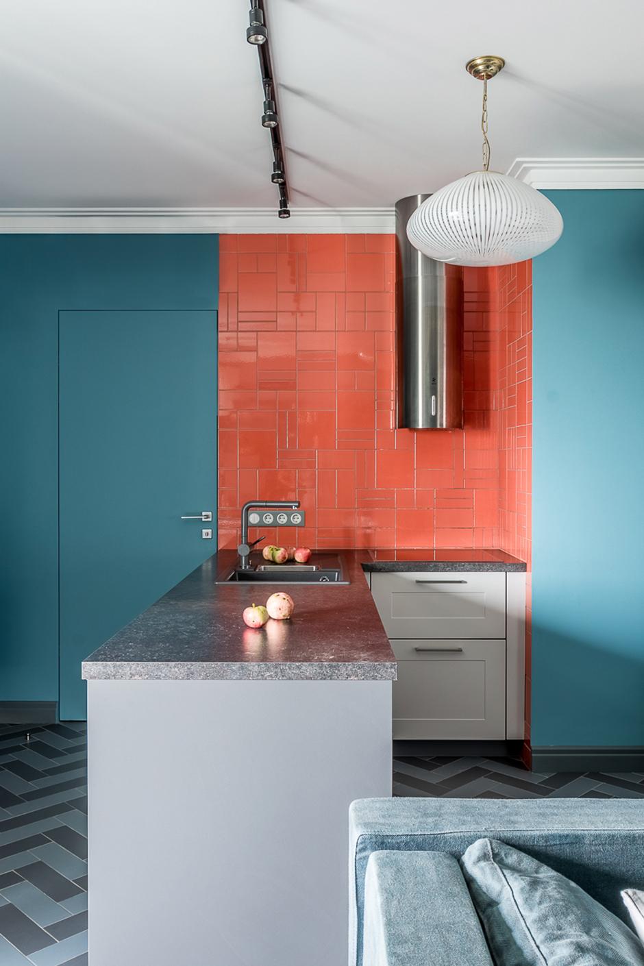 Голубой цвет на кухне: 15 примеров (галерея 0, фото 6)