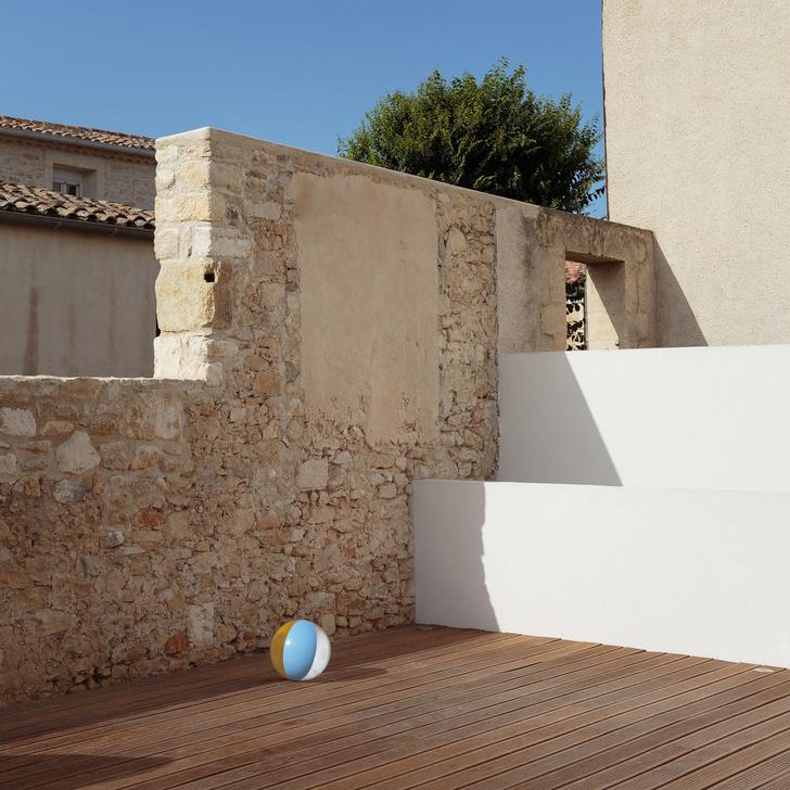 Новый дом с бассейном и патио в бывшем винном хранилище (фото 11)