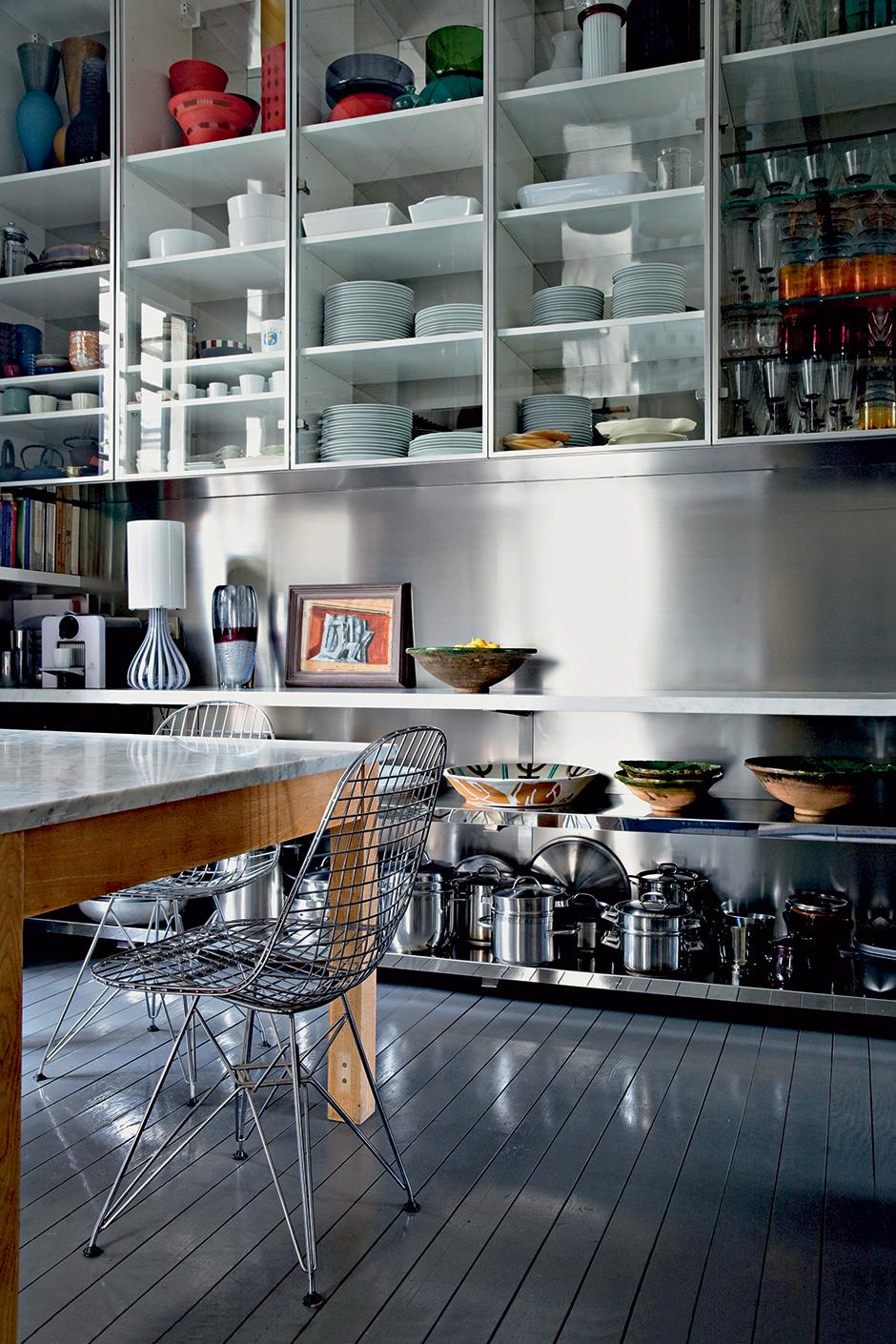 15 идей для кухни в темных тонах (галерея 0, фото 4)