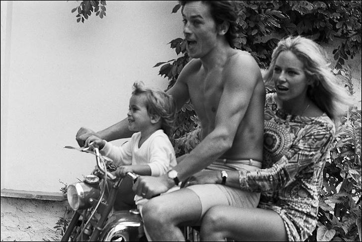 Ален Делон с супругой Натали и сыном Энтони 3