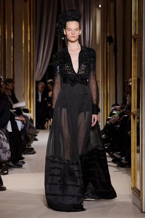 Показ Giambattista Valli коллекции сезона Весна-лето 2012 года Haute couture - www.elle.ru - Подиум - фото 330849