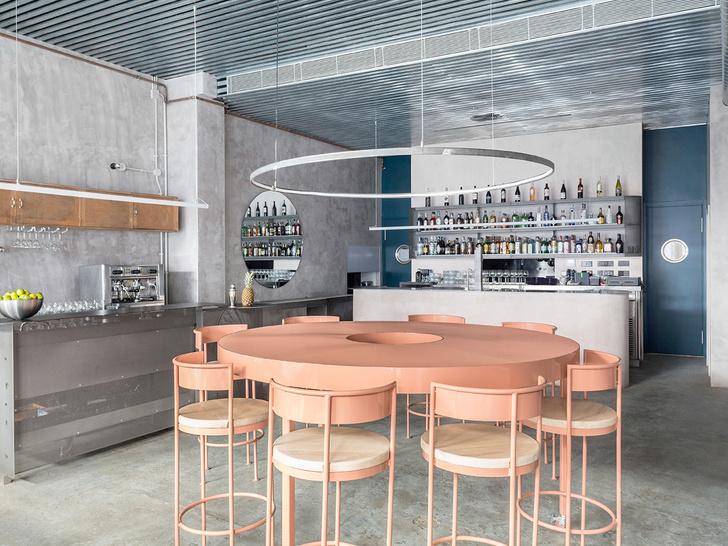 Нежный бетон: ресторан в Испании (фото 3)