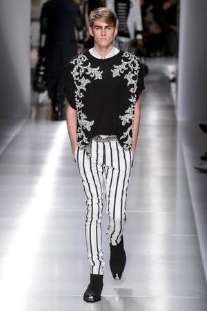 Показы мод Balmain Весна-лето 2018 | Подиум на ELLE - Подиум - фото 4940