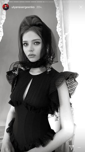 Алеся Кафельникова снялась в лукбуке Ulyana Sergeenko (фото 4.1)