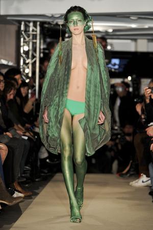 Показ Maurizio Galante коллекции сезона Весна-лето 2011 года Haute couture - www.elle.ru - Подиум - фото 216010