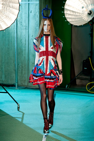 Показы мод Jean Paul Gaultier Осень-зима 2014-2015 | Подиум на ELLE - Подиум - фото 4002