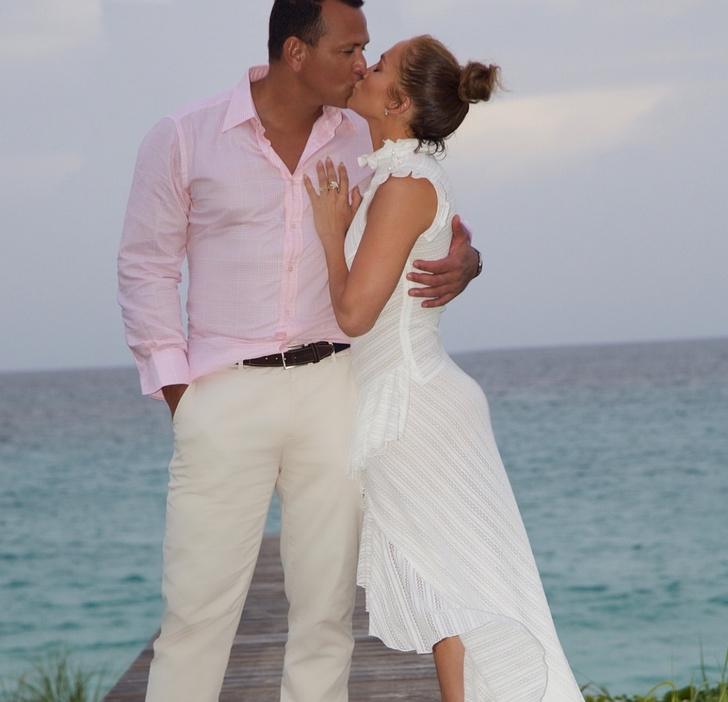 Сколько стоит помолвочное кольцо Дженнифер Лопес? (фото 5)