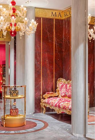 Экстравагантный бутик Dolce&Gabbana в Риме (фото 8.2)