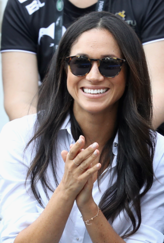Почему Кейт Миддлтон никогда не красит ногти ярким лаком? фото [18]
