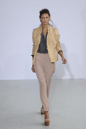 Показы мод Anne Valerie Hash Весна-лето 2011 | Подиум на ELLE - Подиум - фото 2522