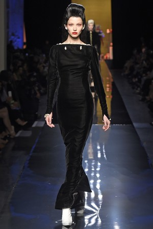 Показ Jean Paul Gaultier коллекции сезона Осень-зима 2014-2015 года haute couture - www.elle.ru - Подиум - фото 585030