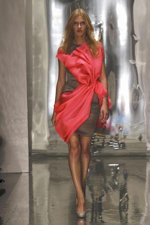 Показы мод Roksanda Ilincic Весна-лето 2011 | Подиум на ELLE - Подиум - фото 2587