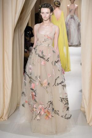 Показ Valentino коллекции сезона Весна-лето 2015 года haute couture - www.elle.ru - Подиум - фото 593306