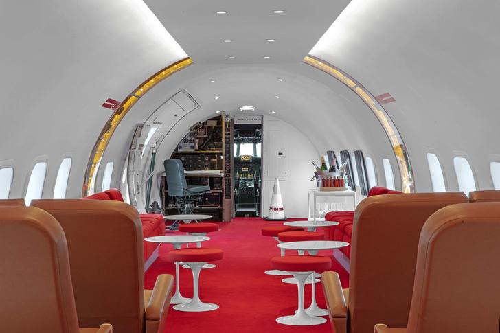 Пристегните ремни: бар в самолете при отеле TWA Hotel (фото 6)