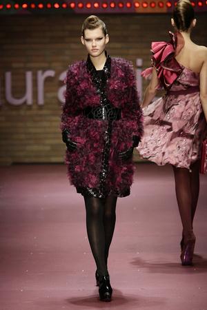 Показ Laura Biagiotti коллекции сезона Осень-зима 2009-2010 года prêt-à-porter - www.elle.ru - Подиум - фото 96231