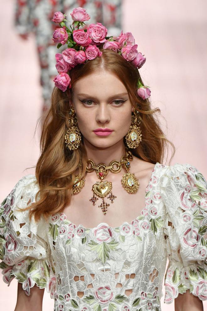 Аксессуары на показе Dolce & Gabbana (фото 1.2)