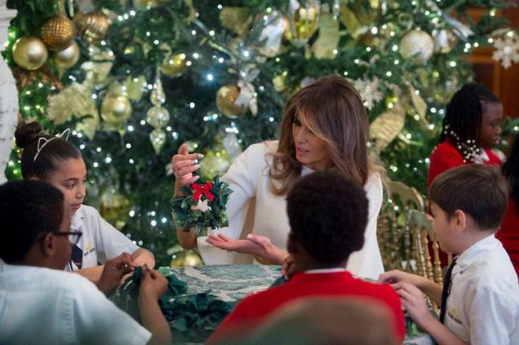 Мелания Трамп украсила Белый Дом к Рождеству фото [7]