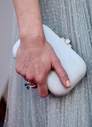Викторианская эпоха: Эмили Блант в нежно-голубом платье на премии «Оскар-2018» (фото 4)